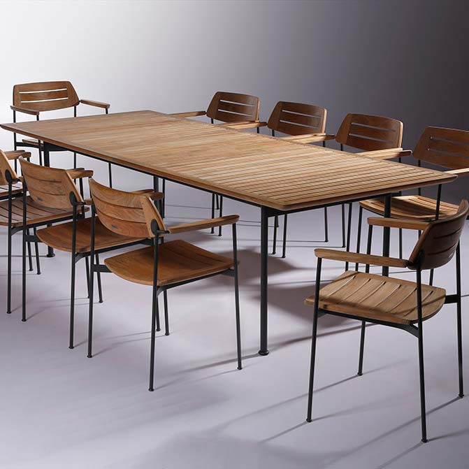 """going to jerusalem: first round maximum eleven people 