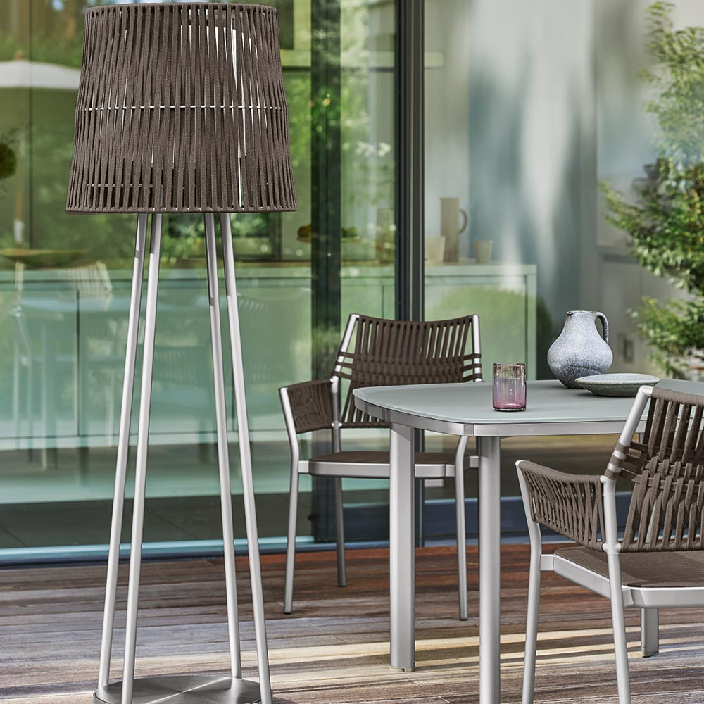 decorative accessories: the weatherproof grey-brown lamp extends your outdoor time