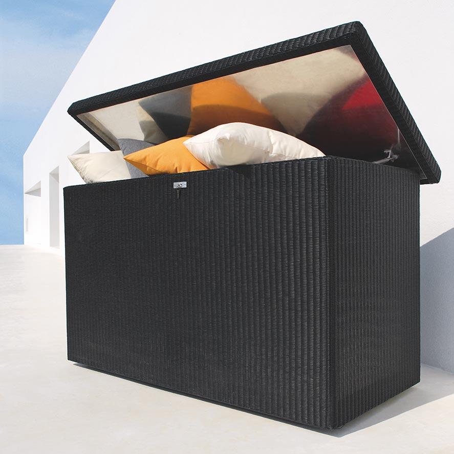 weather-proof container: the large aspen cushion box is resistant to extreme temperatures and is completely waterproof