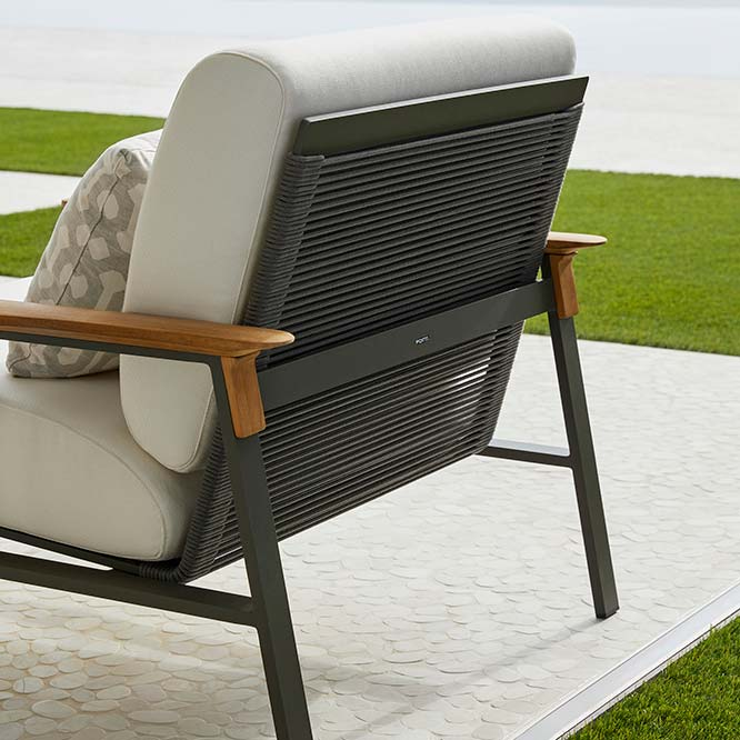 back view: city lounge chair in gunmetal grey aluminum frame and graphite rope seat and back