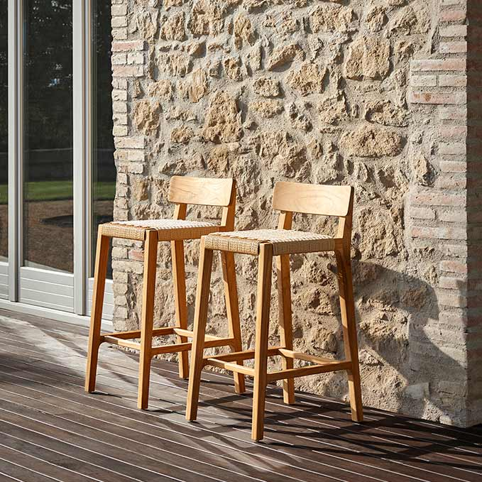 twins: two paralel bar stools side by side