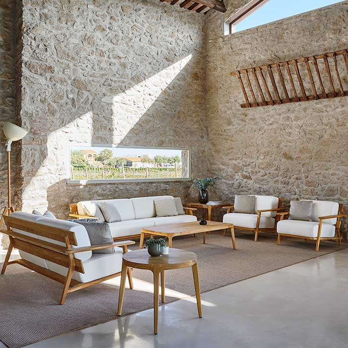 """indoor ambience: paralel 3-/2-seater sofas, lounge chairs, 31"""" round and 29"""" square side tables (optional: deco cushions)"""