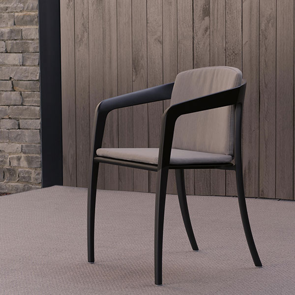 the jive aluminum chair with seat and back cushion