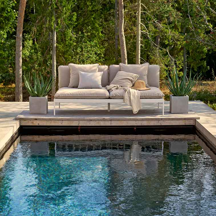 relaxing oasis: bonan lounge sofa in light grey aluminum frame (two large throw pillows included)