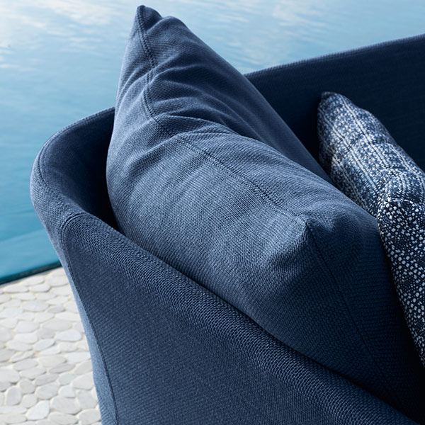 zooming in: high-end outdoor fabric for upholstered back and cushions; latter ones are removable and washable