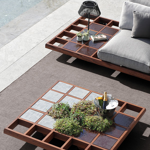 zooming in on mozaix accessories: colorful lava stone tiles, planters in two different depths and small table lamp
