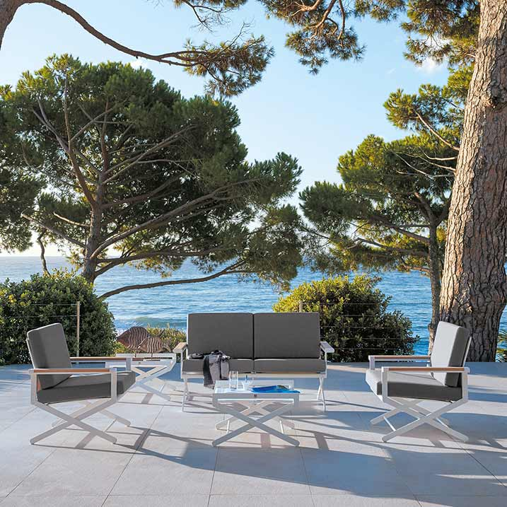 ultimate comfort: oskar 2-seater with two lounge chairs and side table with glass top (cushion: sunbrella natte grey chine)