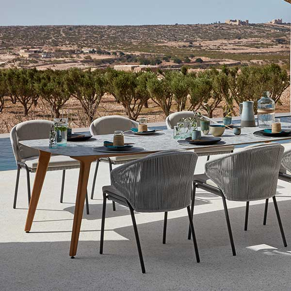 modern dining setting: radius chairs with torsa dining table