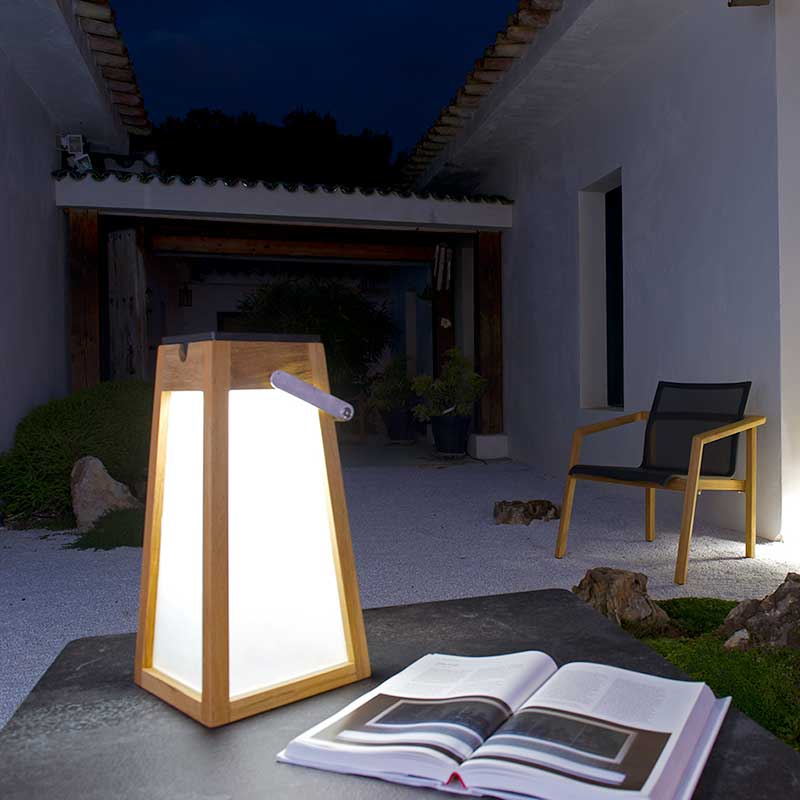 read with ease: tinka's solar panel offers 300 lumens solar light