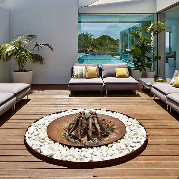 artistic usefulness: with a circular fire pit each of your guests will be warmed by the fire (note: rocks not included)