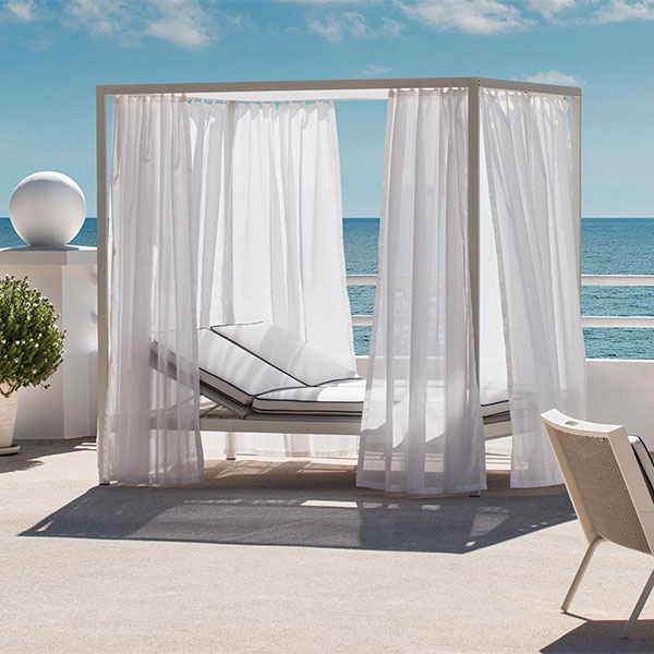spend a day outside: allaperto grand hoteletwick lounge bed