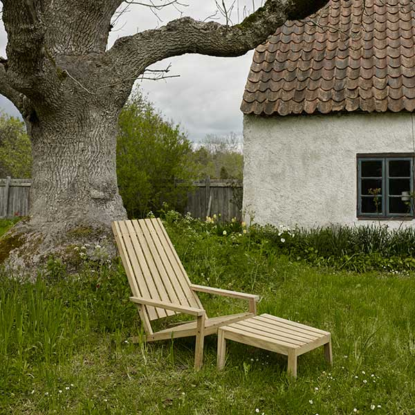 enjoy a simpler life: between lines deck chair with stool