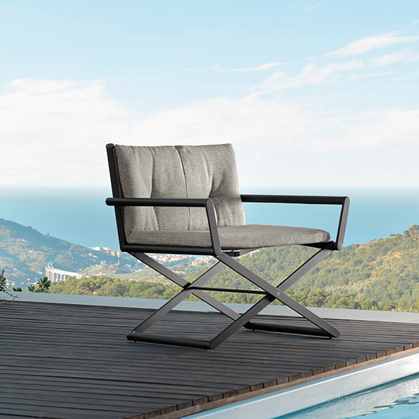 what a view: domino director lounge chair in graphite frame and grey cushion