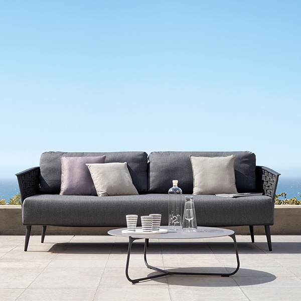 cascade 3-seater sofa in powder-coated aluminum frame (lava finish) with anthracite rope (4 deco cushions included in price)