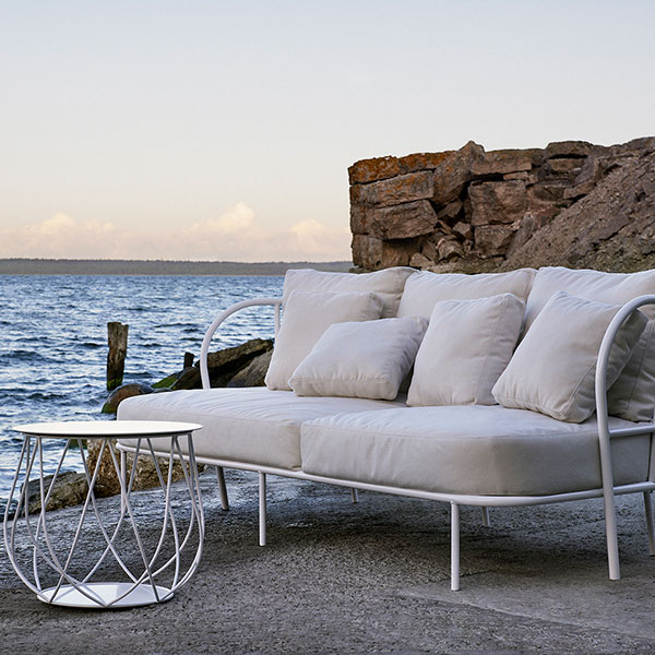 "enjoy the breeze: salto sofa with reso 18"" lounge table"