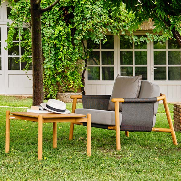 """comfortable garden reading spot: hamp deep-seating armchair with 24"""" square corner table (throw pillow included in price)"""