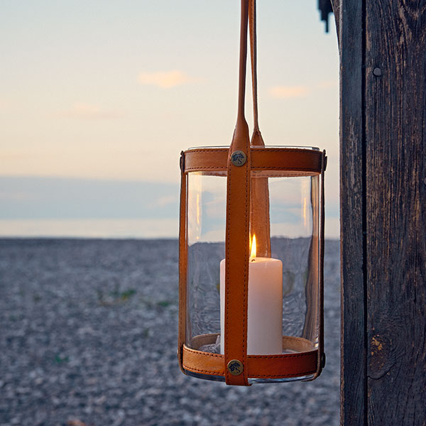 perfect decoration: marstrand candle lantern in light brown leather and clear glass