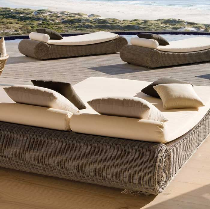 maximum relaxation: three river single sunbeds and one large sunbed