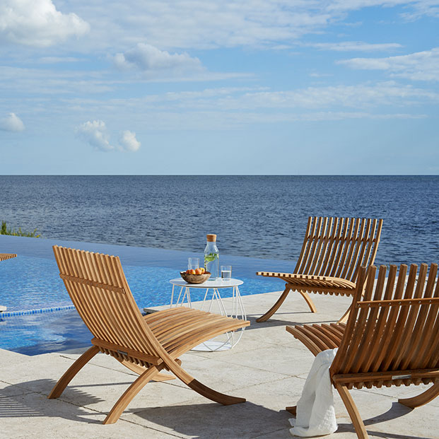"""enjoy the sun: one nozib sun lounger and three loungers staged with reso 18"""" lounge table (crossed metal bars, white)"""
