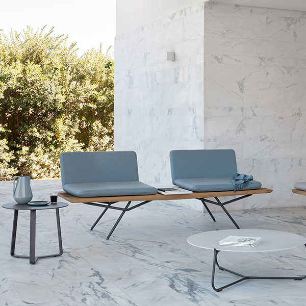 conversation corner: double one-seater, sofa, marble rectangular and marble round