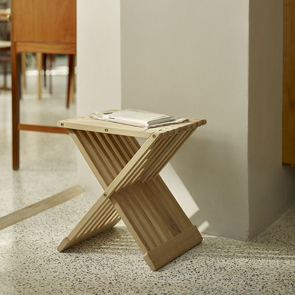 accent piece: fionia stool in beautiful oak