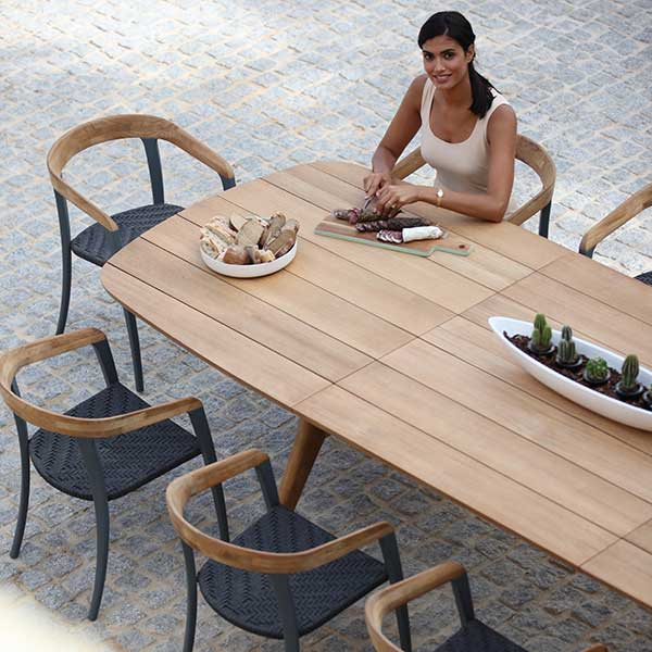 bird's-eye view: jive chairs with zidiz extendable table