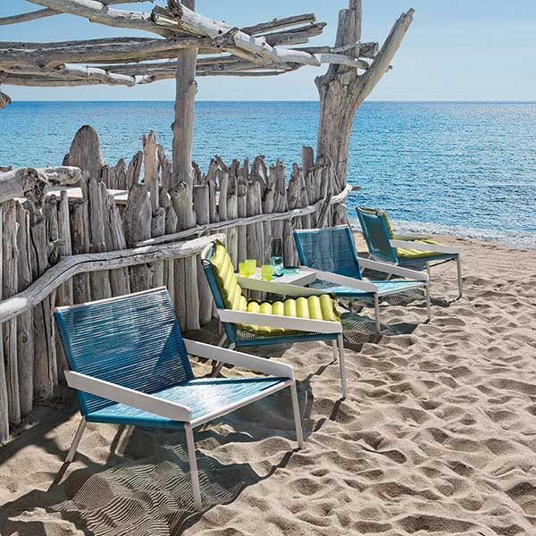 perfect day by the sea: allaperto camping chiclounge chairs