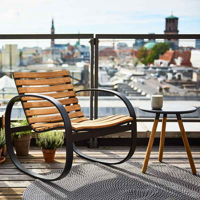 rocking on the roof top: parc rocking chair