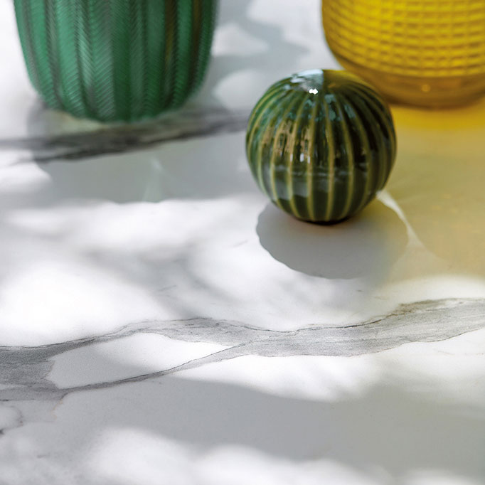 """close-up: beautiful ceramic top with gray veins of basket 43"""" coffee table"""