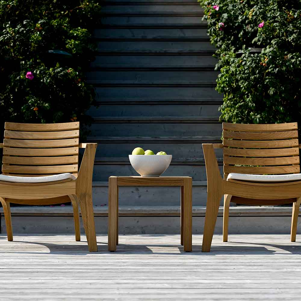 sunny days: two regatta lounge chairs side by side with optional seat cushion in white