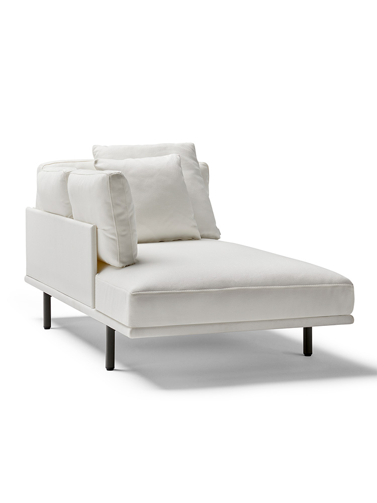 """2 Decorative Cushions Included in Price (1: 20"""" x 20"""" 