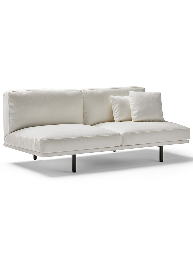 """2 Decorative Cushions Included in Price (1: 24"""" x 14"""" 