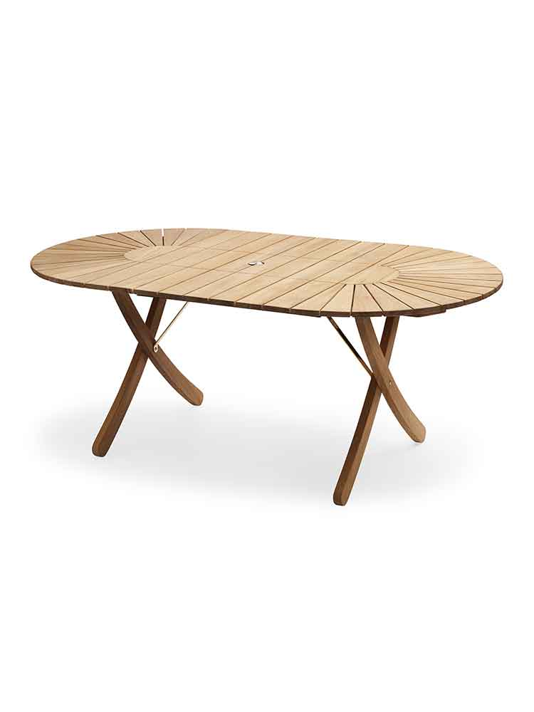 Selandia Table Shown without Extension