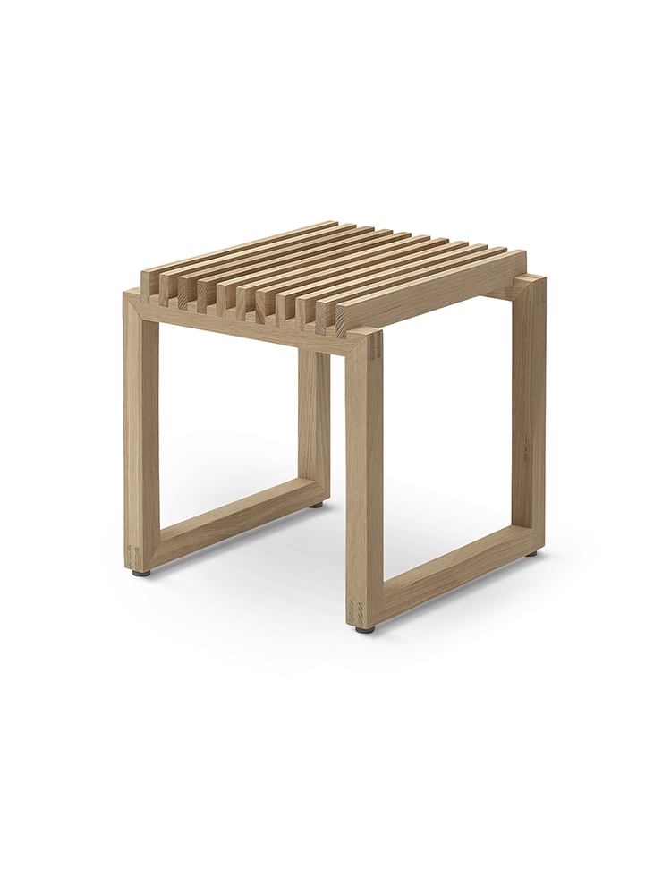 Cutter Stool in Oak for Indoor Use