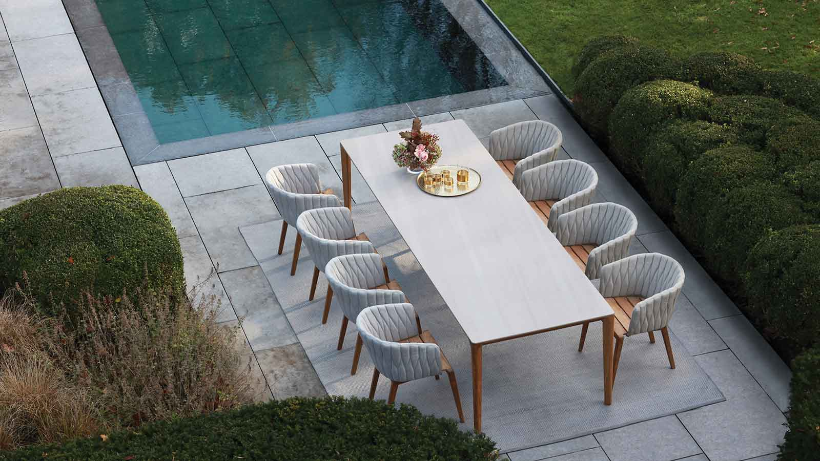 Royal Botania Unite Dining Table